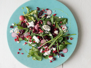 SPINACH, BEETROOT AND POMEGRANATE SALAD | MUNCHWIZE DIETITIANS CAPE TOWN