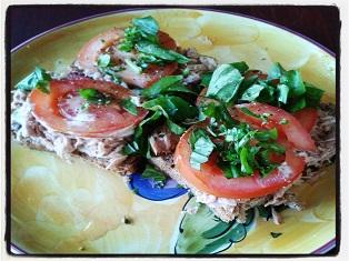 THE-5-MINUTE-NUTRITIOUS-SANDWICH